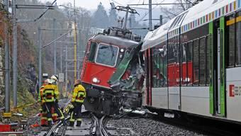 17 Verletzte bei Zugunfall in Neuhausen am Rheinfall.