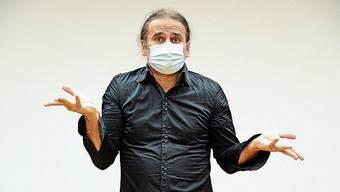Wie man mit Maske kommuniziert