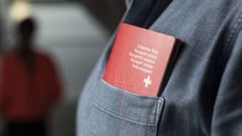 Eingebürgerte kommen vor allem aus dem Kosovo, Deutschland und Italien. (Symbolbild)