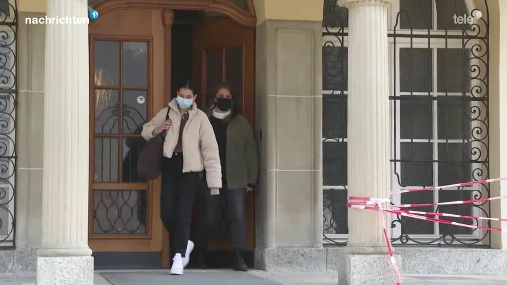 Schwyzer Regierung nimmt Stellung zu Mittelschulinitiativen