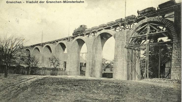 Bau des Viadukts zur Anbindung der neuen Tunnelstrecke an die Jurasüdfusslinie. Archiv