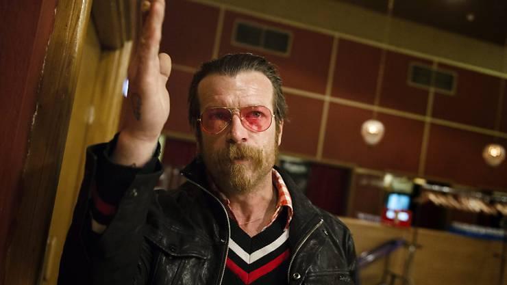 Sänger Jesse Hughes der US-Band Eagles of Death Metal vor dem Konzert in Stockholm: Die Gruppe, deren Konzert in Paris im November von Islamisten angegriffen wurde, hat ihre Europatournee fortgesetzt.