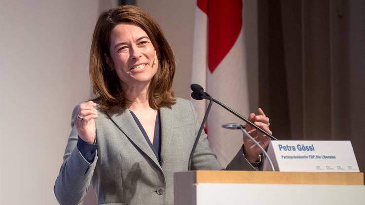 In Bewegung: Parteichefin Petra Gössi führt die FDP in die Wahlen 2019. Keystone