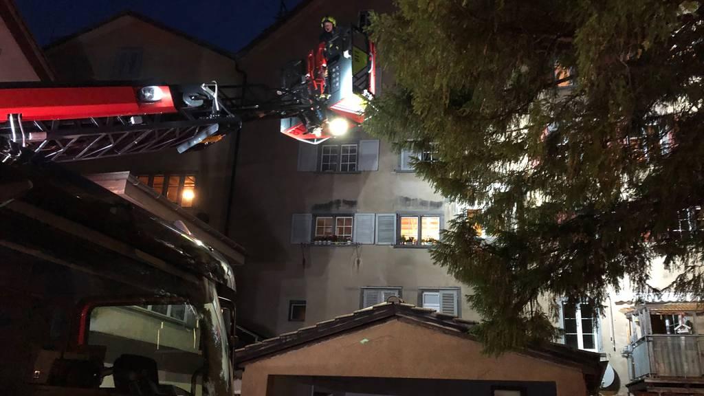 Kerze und Lampe neben dem Bett führen zu Bränden in Rapperswil und Chur