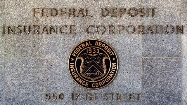 Die FDIC (Federal Deposit Insurance Corporation) sicherte die Ersparnisse der Kunden