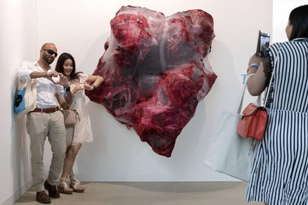 Die herzförmige Skulptur von Anish Kapoor