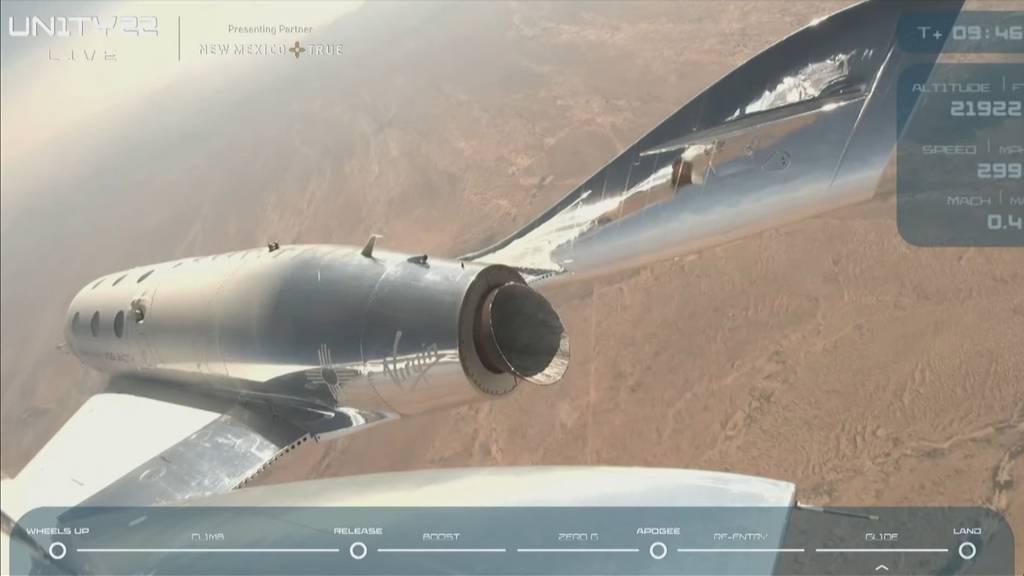 Erfolgreicher Testflug: Milliardär Richard Branson flog mal kurz ins All