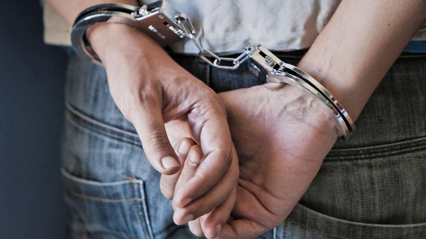 Der Mann konnte nach kurzer Flucht wieder festgenommen werden.