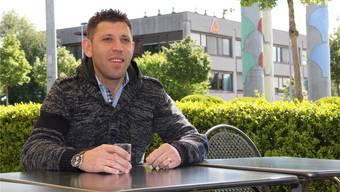 Milaim Rama lebt seit anderthalb Jahren in Widen und spielt nun bei den Senioren des FC Mutschellen.