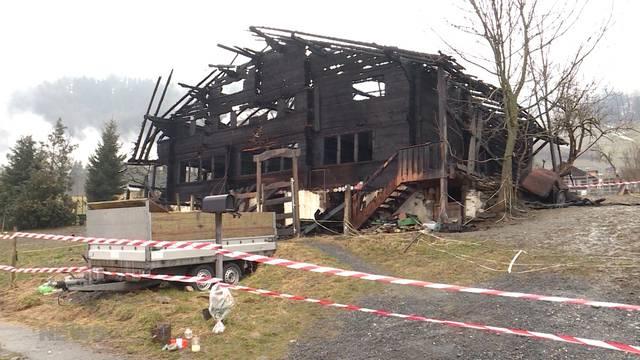 Frutigen: Polizei entdeckt Leiche in Brandruine