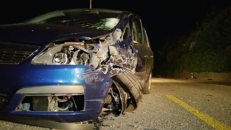 Bei einer Frontalkollision mit einem blauen Opel im Mumpf am Dienstagabend wurde ein 51-jährigen Motorradfahrer schwer verletzt.