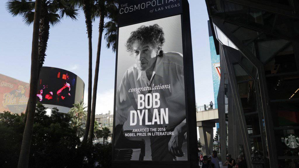 Niemand weiss bisher, ob Bob Dylan im Dezember den Nobelpreis für Literatur persönlich entgegennehmen wird (Archiv)