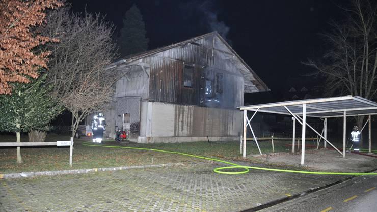 Das Feuer brach in einer alten Scheune an der Emmenhofstrasse in Derendingen aus.