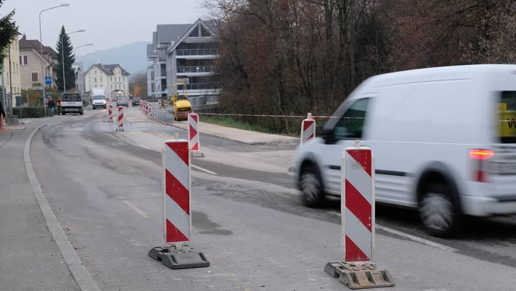 Seit April wurden in der Fahrweid neue Wasser- und Regiowärme-Leitungen verlegt. Wann die Kanalisation neu wird, ist offen.