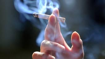 Wer auf Zigaretten verzichtet, hat Chancen auf einen Preis. (Symbolbild)