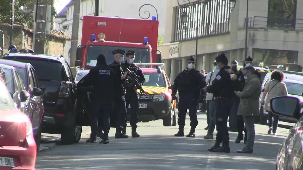 Frau bei Messerattacke in Polizeiwache getötet