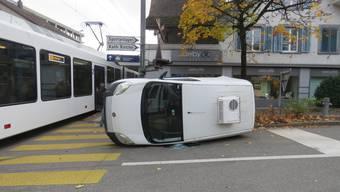Oberentfelden, 11. November: Kollision mit Zug