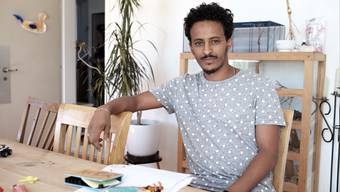 Samuel Kehase wohnt seit zwei Wochen in Möriken AG bei Rahel Wunderli. Er ist aus Eritrea.