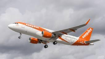 Flugverspätungen sind für Passagiere ein ärgerliches Thema. (Symbolbild)