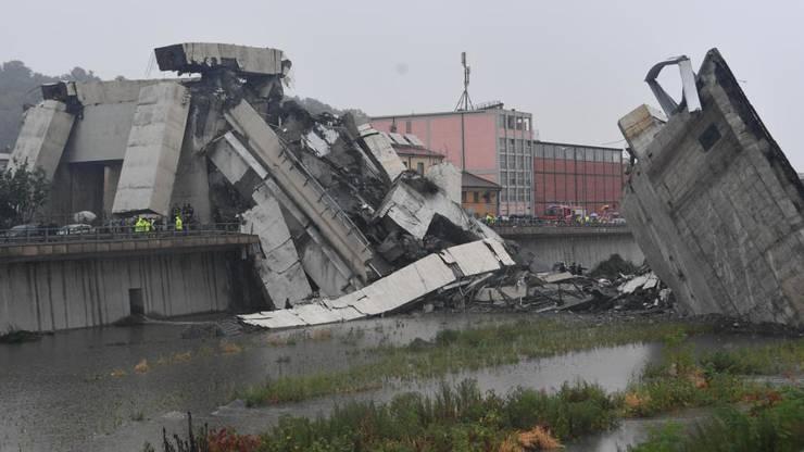 Die Trümmer der Brücke: Über 30 Menschen starben beim Einsturz in Genua.
