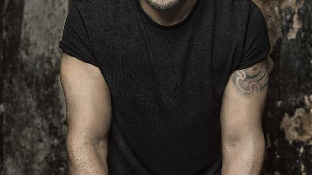 Luis Fonsi schlägt Shakira und Bryan Adams