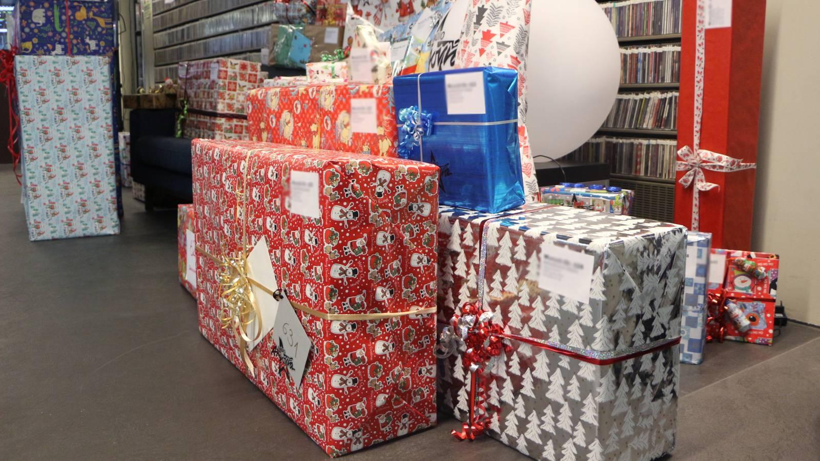 Wiehnacht für alli 2017 Päckli (© Radio Argovia)