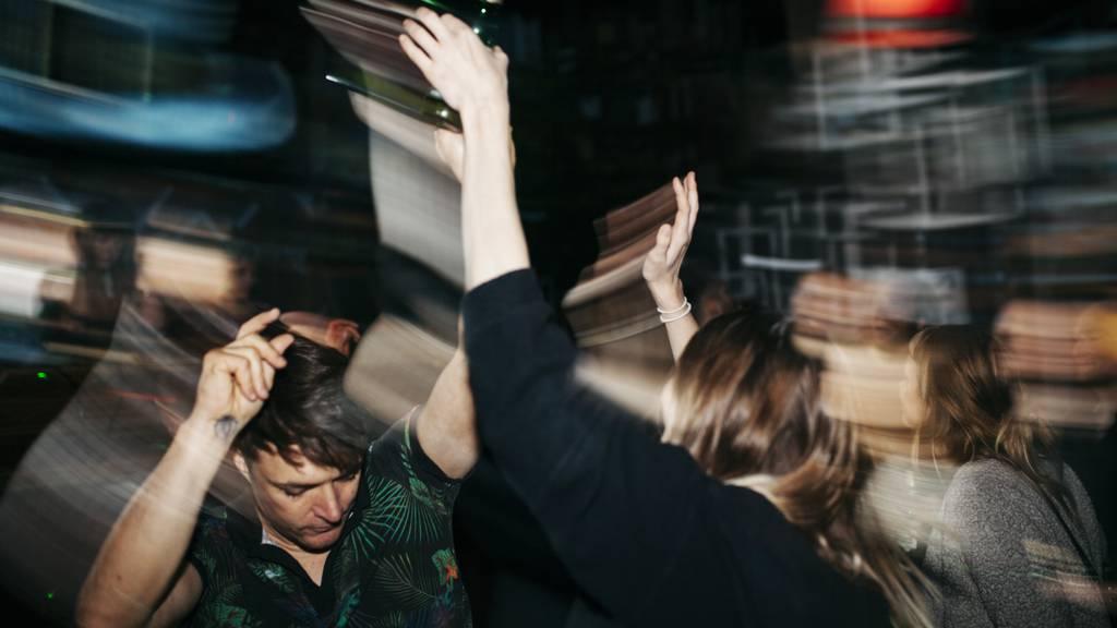 Über 200 Jugendliche feiern illegale Party in Schruns