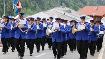 Die Musikgesellschaft Würenlingen am Bezirksmusikfest in Mörel VS 2017.