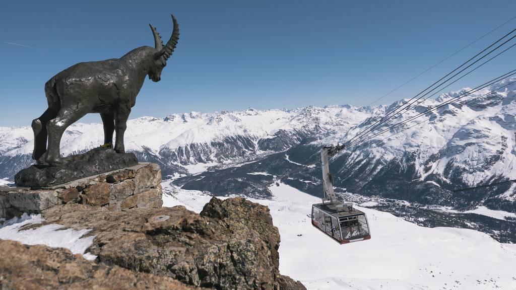 Die Frage, ob Skigebiete schliessen müssen, wird der Bundesrat am Freitag klären. (Archiv)