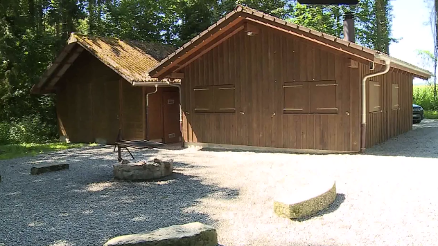 Hallwiler Waldhütte verwüstet