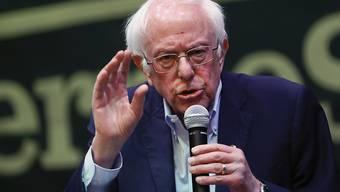 Der Demokrat und US-Präsidentschaftskandidat Bernie Sanders will den amtierenden Präsidenten Donald Trump bei den Wahlen im Herbst schlagen. Sanders kritisiert die Politik von Trump heftig. (Archivbild)
