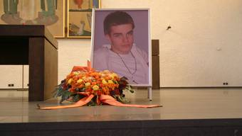 2007: Nicky Hoheisel starb 19-jährig nach einer Schlägerei vor dem Club «Kettenbrücke». Der erstinstanzlich verurteilte Haupttäter Marcel M. legte 2009 Berufung ein. Heute milderte das Aargauer Obergericht M.s Gefängnisstrafe um ein Jahr.