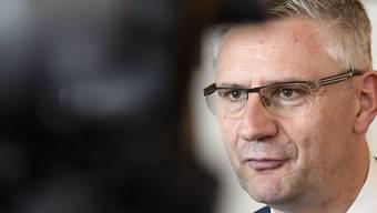 Nach einer Sprayer-Attacke in Oberwil-Lieli postete Gemeindeammann Andreas Glarner kurzerhand den Strafbefehl gegen die Täterin auf Facebook. Dort wurde er nun wieder gelöscht.