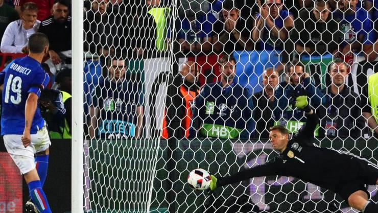 Der deutsche Torhüter Manuel Neuer avancierte zum Helden und parierte im Penaltyschiessen zwei Versuche der Italiener