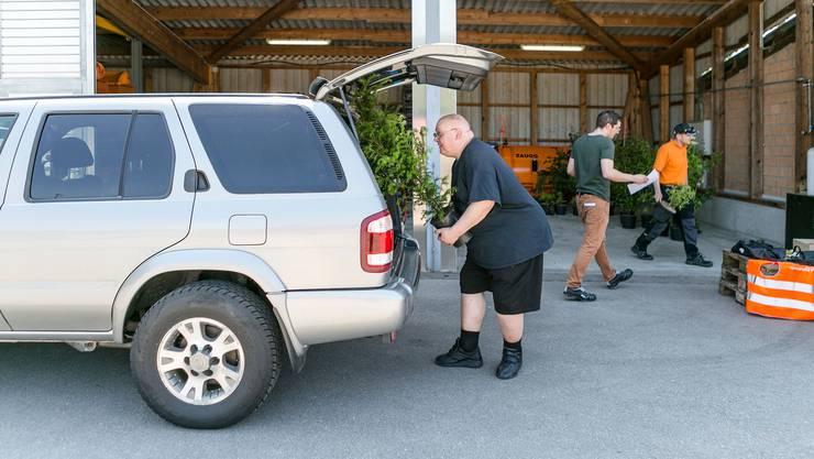 Vor einem Jahr nutzten in Urdorf rund 20 Personen das Angebot, Pflanzen einzutauschen.