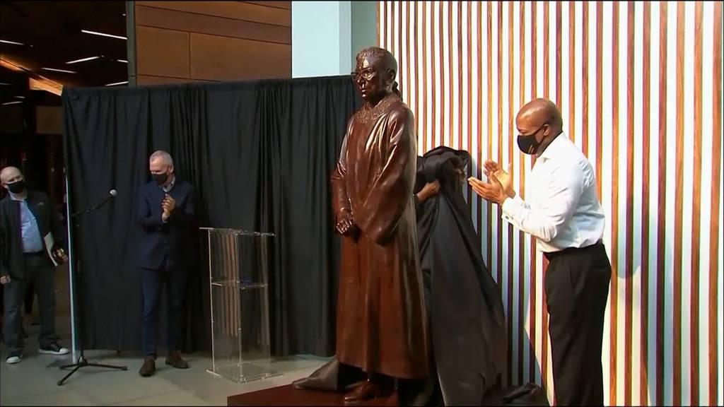 Statue von Ruth Bader Ginsburg in New York enthüllt