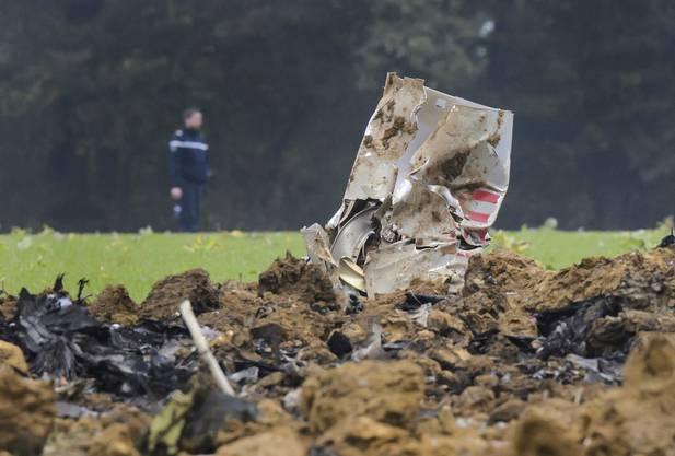 Eine zweisitzige F/A-18 stürzt im gemeinsamen Trainingsraum mit Frankreich südöstlich von Besançon ab.