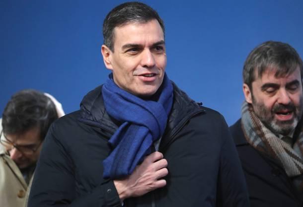 «Man könnte ihn mit einem Schauspieler aus einer spanischen Serie verwechseln», schrieb die italienische Ausgabe der «Huffington Post» über den spanischen Premier Pedro Sanchez. Sein Übernahme: Pedro der Hübsche .