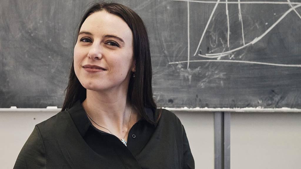 Die Epidemiologin Emma Hodcroft forscht an der Universität Bern.