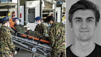 Soldaten eines Spitalbataillons trainieren den Ernstfall (Symbolbild). Soldat Joël Decurtins (rechts) wartet derweil noch auf seinen Einsatz.