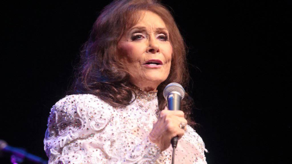 Country-Legende Loretta Lynn (84) hat ihre nächsten Auftritte abgesagt, nachdem ihr ältester Enkel mit 47 Jahren unerwartet gestorben ist. (Archivbild)