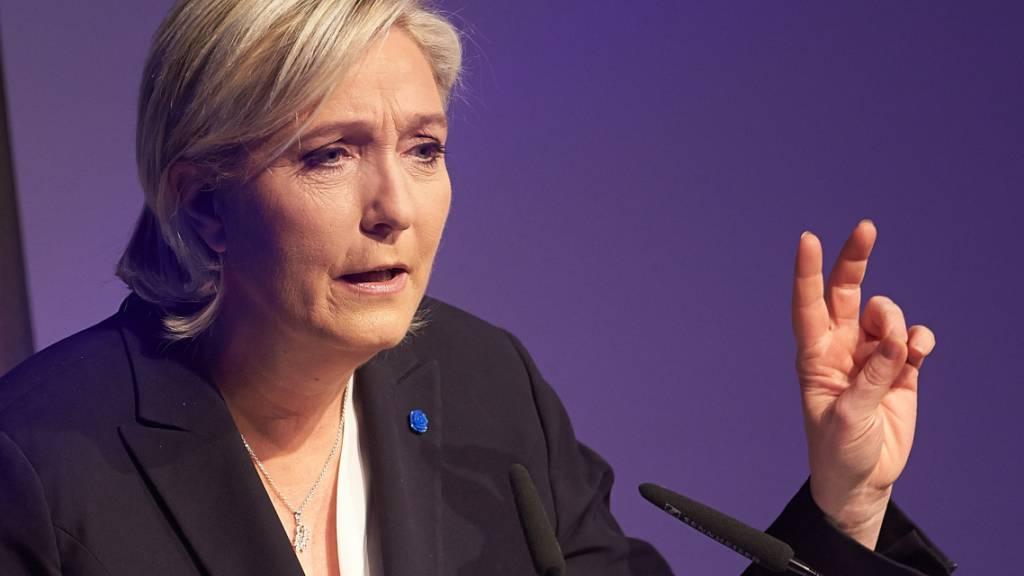 Le Pen unterstützt Polens Morawiecki in Streit mit EU