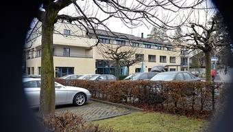 Blick auf den Tatort: In einer Wohnung des Alterszentrums Hochweid soll die Hauptangeklagte mehrere Bewohnerinnen bestohlen und eine getötet haben.