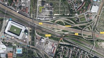 Vier Autos waren in den Unfall auf der A2 bei Birsfelden involviert.