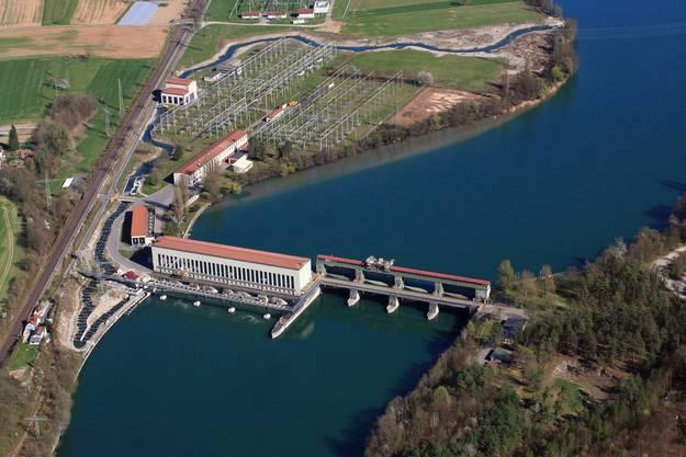 Es gehört zu 23 Prozent dem Kanton Aargau und zu je 13,5 Prozent Axpo und Alpiq. 50 Prozent gehören deutschen Anbietern.