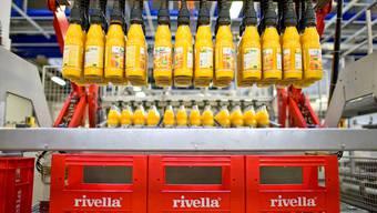 Opfer der Swissness-Regulierung: Rivella muss das Kreuz auf den Etiketten der Michel-Fruchtsäfte zurückstufen.