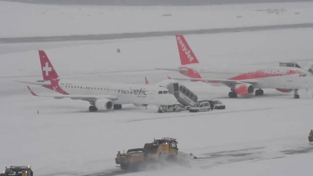 Schnee: Flughafen Genf stellt vorübergehend Betrieb ein