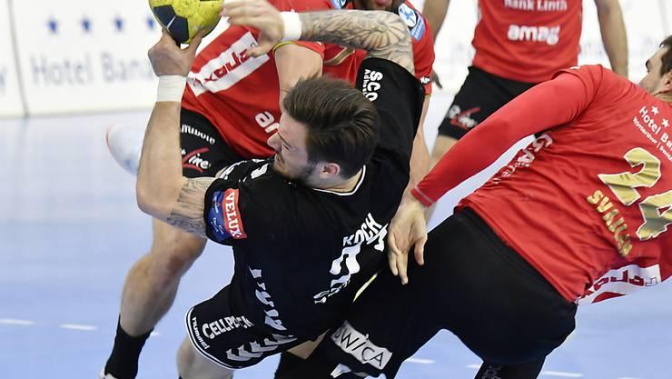 Kadetten Schaffhausen mit Johan Koch setzte sich auch im zweiten Finalspiel gegen Pfadi Winterthur durch und steht vor der erfolgreichen Titelverteidigung