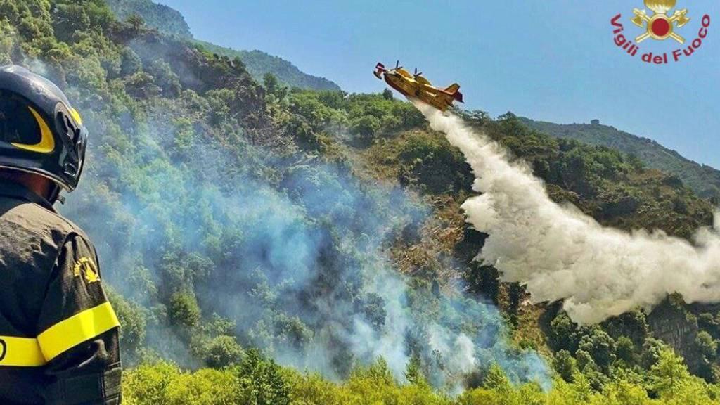 Sizilien erklärt für sechs Monate Notstand – Brand auf Sardinien