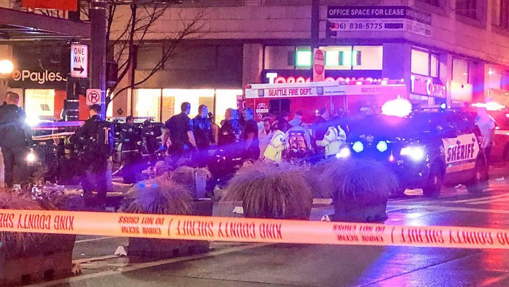 In Seattle sind durch Schüsse eine Person getötet und fünf weitere verletzt worden.